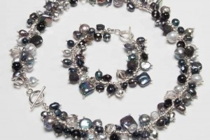 Jewelry , 6 Pearl And Crystal Necklace : ... TYPE › NECKLACES › Black & Silver Pearls with Crystal Necklace