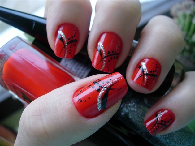 6 Red Nail Polish Ideas in Nail