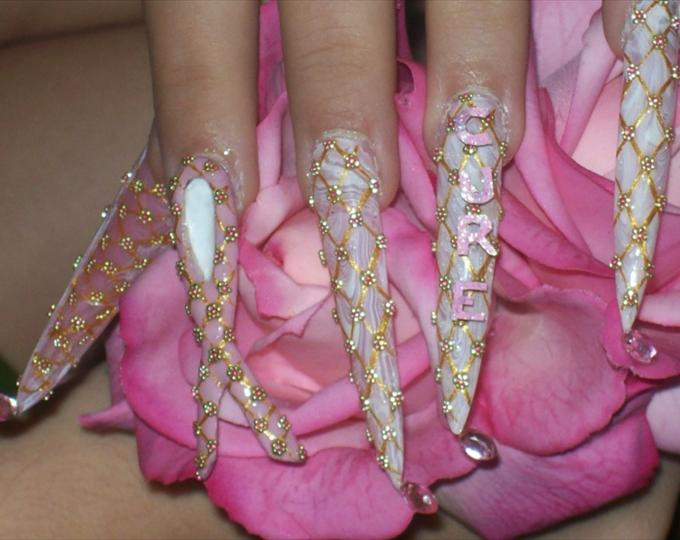 5 Breast Cancer Nail Designs in Nail