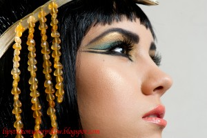 Make Up , 6 Cleopatra Eye Makeup : Lipstick on your pillow: Cleopatra Inspired Makeup Look
