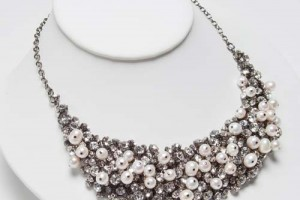 Jewelry , 6 Pearl And Crystal Necklace : Home › TYPE › NECKLACES › Crystal & Pearl Bib Necklace