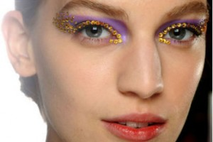 Make Up , 7 Rhinestone Eye Makeup :  diy rhinestone eye makeup