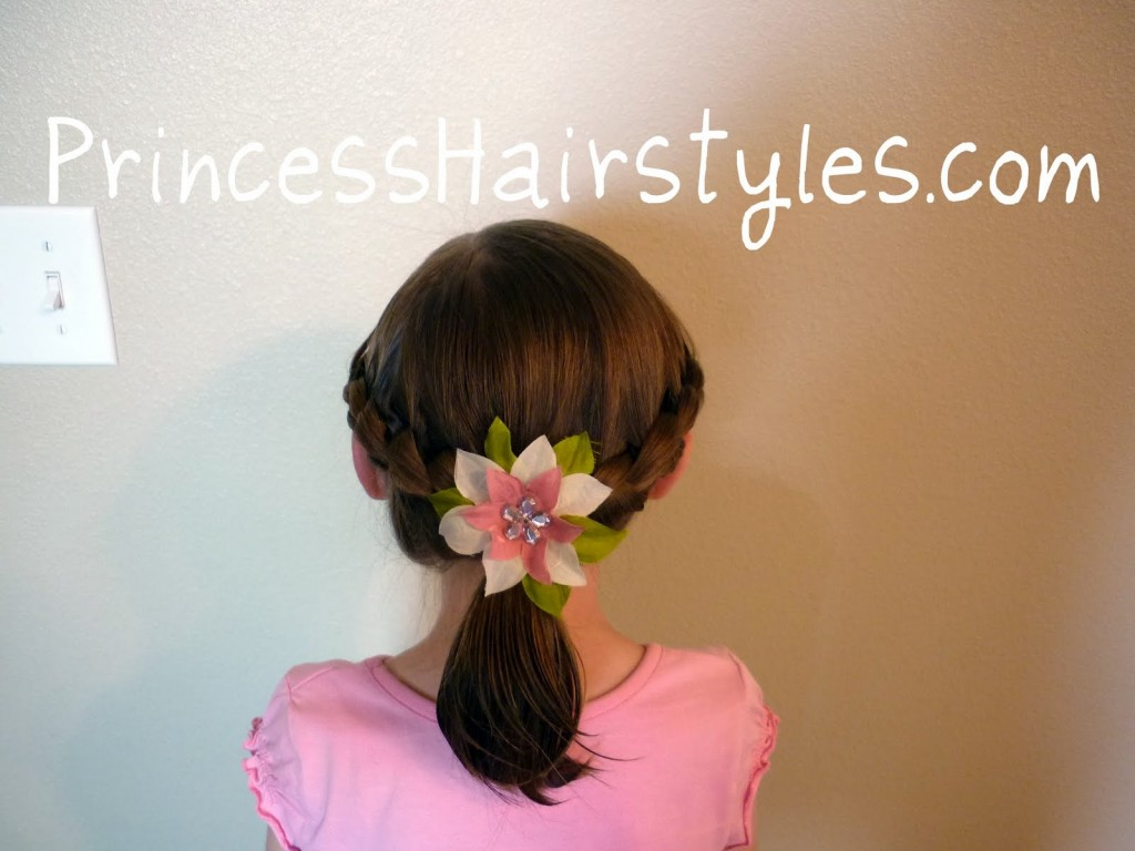 Hair Style , 6 Hairstyles For The First Day Of School : Hairstyle Ideas For The First Day Of School On Easy Bun Hairstyles For ...