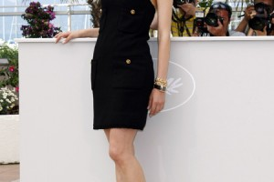Fashion , 6 Oasis Little Black Dress : Diane Kruger con un vestido palabra de honor con bolsillos con botones ...