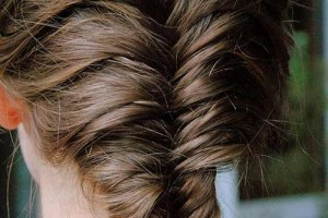 Hair Style , 6  Fishtail French Braid : 10 Unique Fishtail Braid Hairstyles To Inspire You | StyleCraze