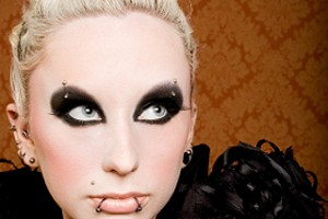 320x411px 8 Goth Eye Makeup Picture in Make Up