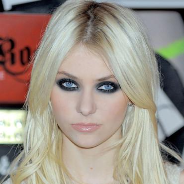 8 Goth Eye Makeup in Make Up
