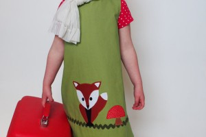 Fashion , 8 Vintage Style Dresses For Kids : green dress Cute vintage style clothes for kids