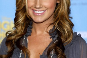 Hair Style , 6 Long Hair Full Figured Women : haircuts-for-curly-hair_Beauty-Women-Wavy-Hairstyles-for-2011