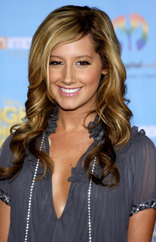 Hair Style , 6 Long Hair Full Figured Women : Haircuts For Curly Hair Beauty Women Wavy Hairstyles For 2011