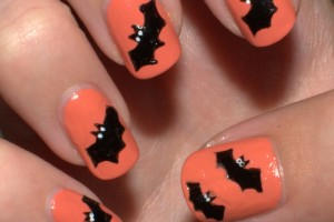 Nail , 8 Batty Nail Art Designs : halloween batty nail art