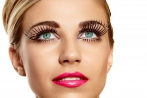 Make Up , 8 Makeup Tricks To Make Eyes Look Bigger :  makeup tricks to make brown eyes look bigger