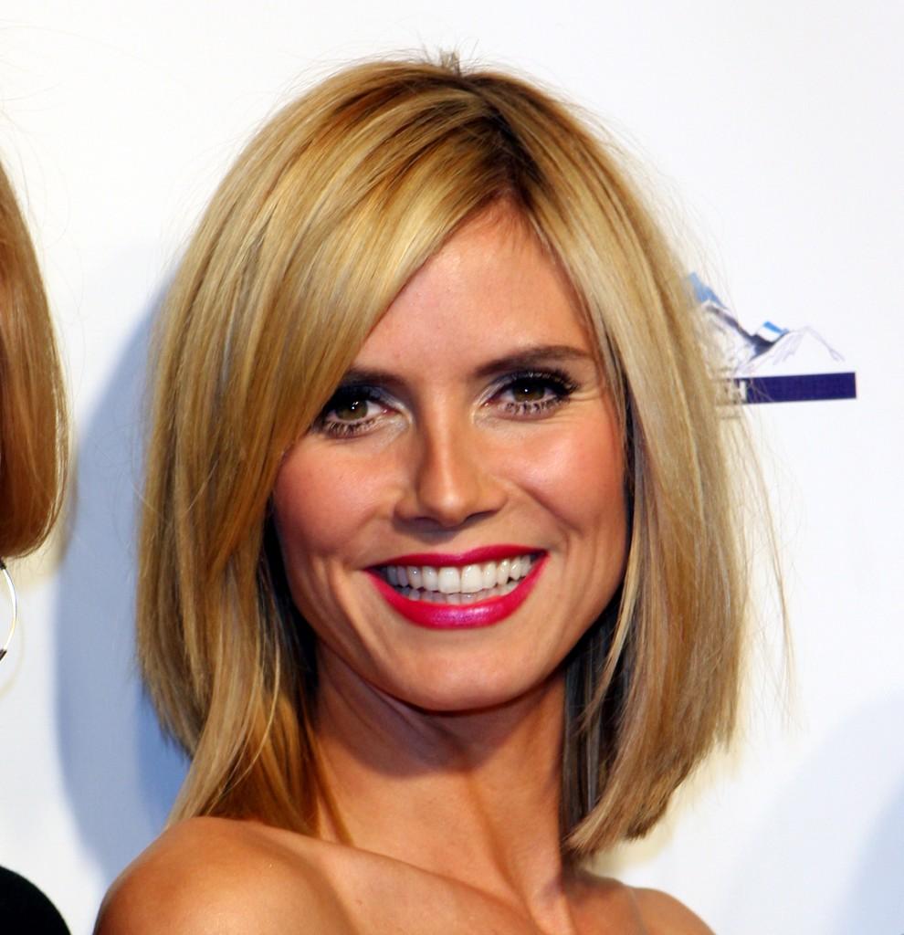 10 Woman Easy Medium Hairstyles Ideas in Hair Style
