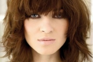 Hair Style , 10 Woman Easy Medium Hairstyles Ideas : medium hairstyles with bangs