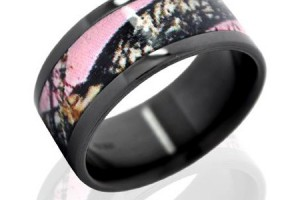 450x450px Pink Camo Wedding Rings Picture in Fashion