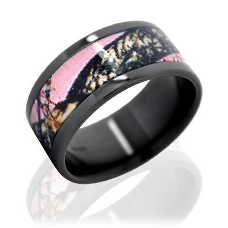 Pink Camo Wedding Rings in Fashion
