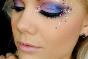 342x512px 7 Rhinestone Eye Makeup Picture in Make Up