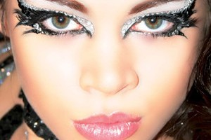 Make Up , 7 Rhinestone Eye Makeup :  rhinestone eye makeup tutorial