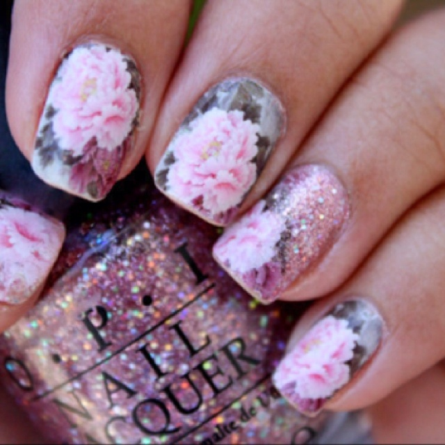 Nail , 5 Romantic Nail Art Design : Romantic Roses Nail Art