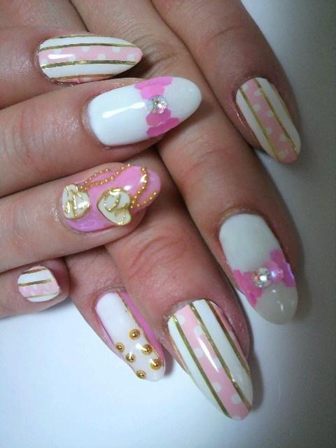 6 Romantic Nail Art Design in Nail