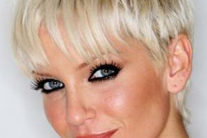 Hair Style , 6 Long Hair Full Figured Women : sarah harding short hair 5 150x150 Hair Styles for Full Figured Women