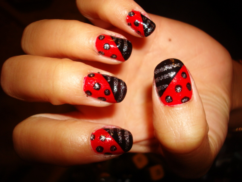 6 Black Red Nail Design in Nail