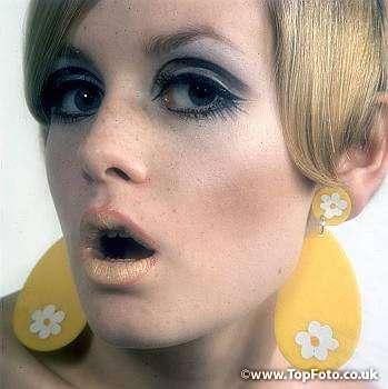 7 Twiggy Eye Makeup in Make Up