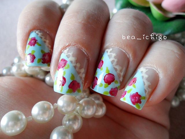 8 Vintage Style Nail Designs in Nail