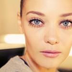 ways to make your blinkers look bigger , 8 Makeup Tricks To Make Eyes Look Bigger In Make Up Category