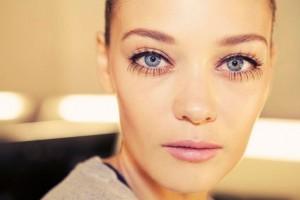 Make Up , 8 Makeup Tricks To Make Eyes Look Bigger : ways to make your blinkers look bigger