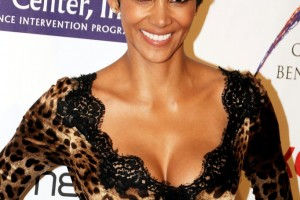 682x1024px 8 Cool Halle Berry Short Hairstyles Picture in Hair Style