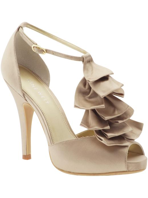 Shoes are every woman's first love. Actually, shoes are something which women completely love more than anything else. There are innumerable women who have