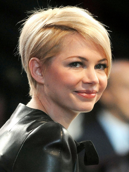 Growing Short Hair Out Pictures : 8 Wonderful Hairstyles For ...