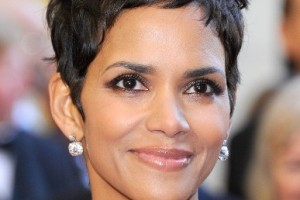 387x518px 8 Cool Halle Berry Short Hairstyles Picture in Hair Style