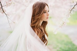 Hair Style , 5 Top Wedding Veil Styles With Long Hair : Natural Wavy Hairstyles
