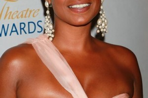 Hair Style , 7 Charming Nia Long Hair Styles : Nia Long Hair Color