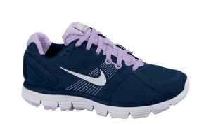 550x500px 7 Cool Nike Woman Running Shoes Picture in Shoes