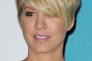 Hair Style , 6 Beautiful Short Razor Cut Hairstyles : Popular Short Haircut for Women