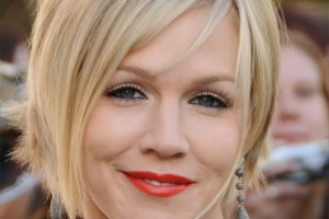 500x600px 6 Best Short Hairstyles For Round Faces And Thick Hair Picture in Hair Style