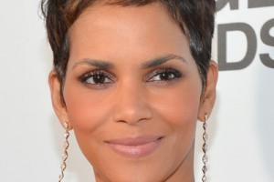 400x594px 8 Cool Halle Berry Short Hairstyles Picture in Hair Style