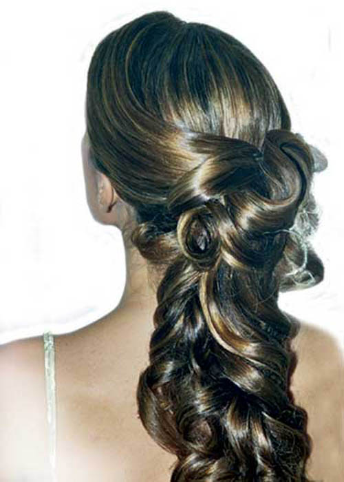 4 Lovely Bridal Hair Styles For Long Hair in Hair Style