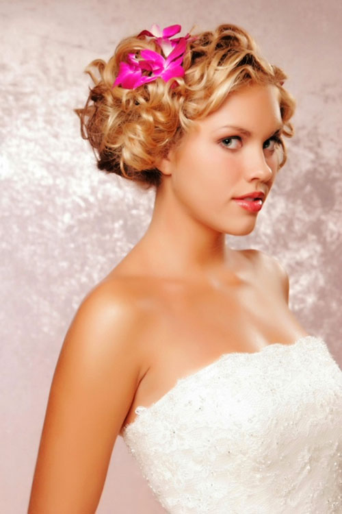8 Beautiful Bridesmaid Hairstyles For Short Hair in Hair Style