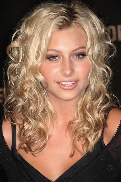9 Charming Perm Styles For Medium Length Hair in Hair Style