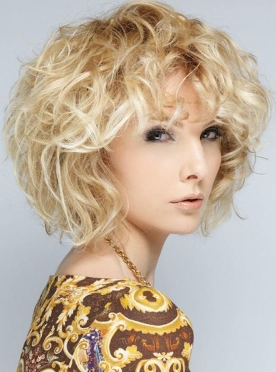8 Gorgeous Hair Styling Ideas For Medium Hair in Hair Style
