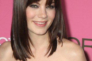 741x1024px 8 Cute Medium Length Hair Styles With Bangs Picture in Hair Style