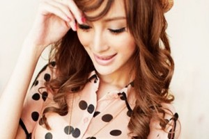 Hair Style , 8 Gorgeous Hair Styling Ideas For Medium Hair : Cute girlish hair styling ideas