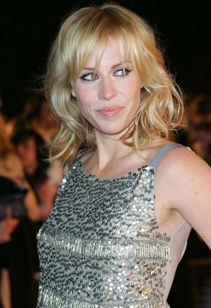 Hair Style , 10 Charming Medium Length Hair Styles For Women Over 40 : Elegant Medium Length Hairstyles