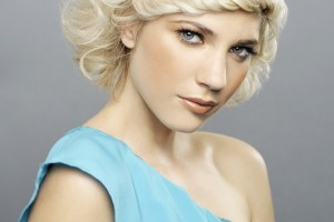 Hair Style , 8 Gorgeous Hair Styling Ideas For Medium Hair : Glam Hair Styling Ideas For Medium Hair