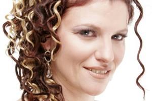 Hair Style , 8 Nice Wedding Hair Styles For Medium Length Hair : Half Up Half Down Wedding Hairstyle