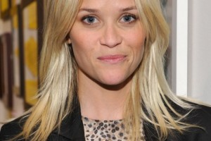 Hair Style , 4 Beautiful Medium Hair Styles With Layers : Reese Witherspoon Medium Layered